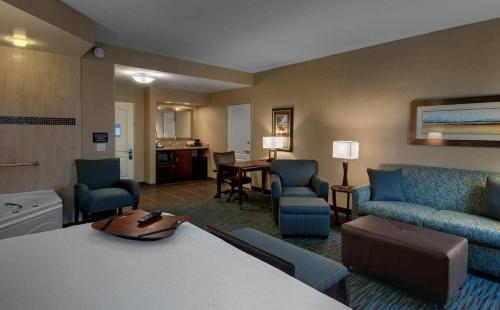 Hampton Inn & Suites Agoura Hills Photo