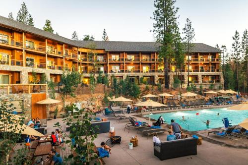 Rush Creek Lodge at Yosemite Photo