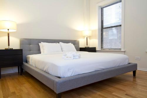 Four-Bedroom on W Grace Street Apt 1W Photo