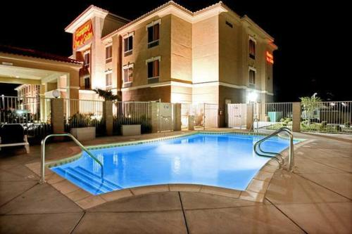 Hampton Inn & Suites Palmdale Photo