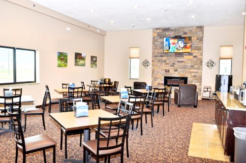 Boulders Inn & Suites Monticello Photo