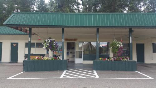 Evergreen Motel Photo