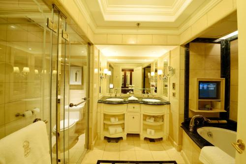 The Ritz-Carlton Beijing photo 3