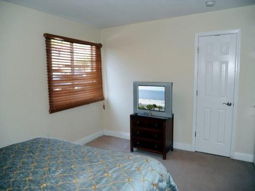 Oak Shores 71 Apartment Photo