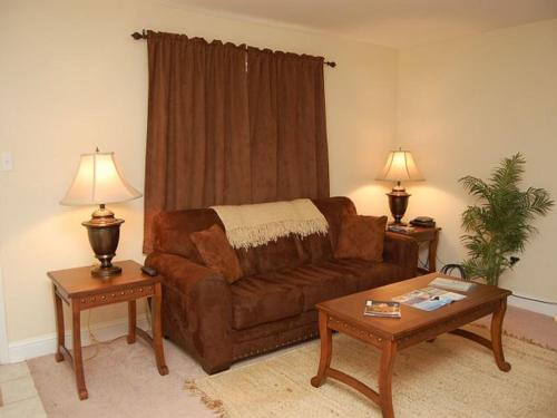 Oak Shores 160 Apartment Photo