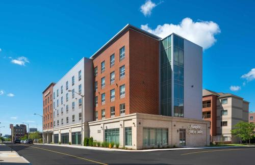 Hampton Inn & Suites-Worcester, MA Photo