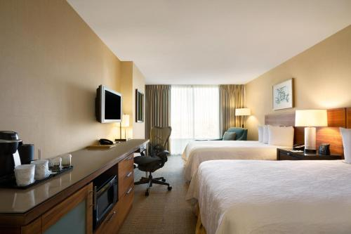 Hilton Garden Inn Baltimore Inner Harbor Photo