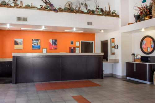 Motel 6 Tempe- ASU Photo