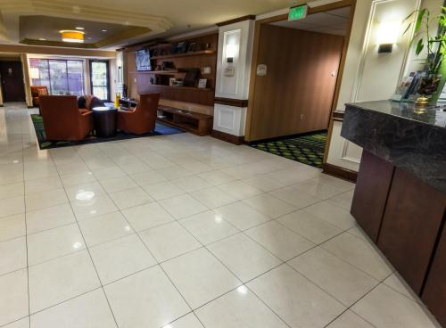 Fairfield Inn & Suites by Marriott Portland Airport Photo