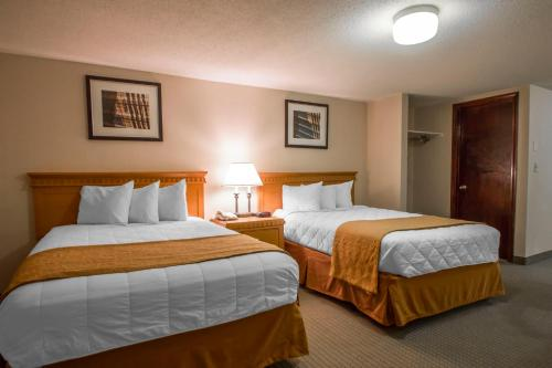 Rodeway Inn and Suites Torrnington Photo