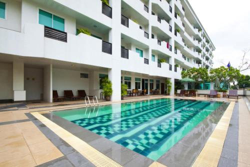 3 Star Hotels Near Bangkok Doll Factory And Museum - Easy ...