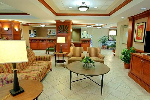 Best Western Plus Kendall Hotel & Suites Photo