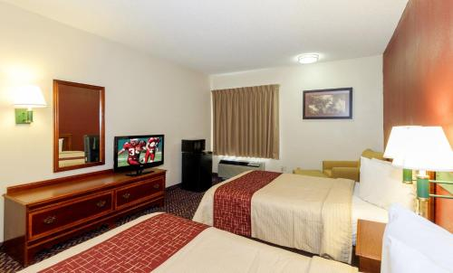 Red Roof Inn Roanoke - Troutville Photo