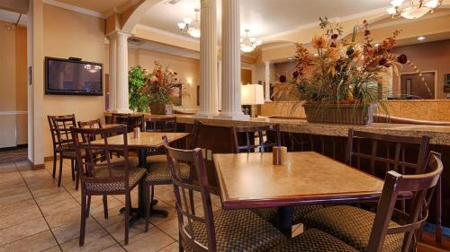 Best Western Plus Shamrock Inn & Suites - Shamrock, TX 79079