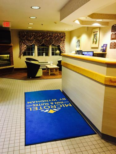 Microtel Inn & Suites by Wyndham Syracuse Baldwinsville Photo