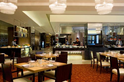 Courtyard By Marriott Shanghai Xujiahui photo 8