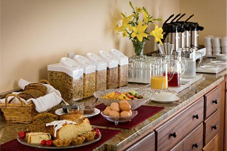Manor Suites Hanford - Hanford, CA 93230