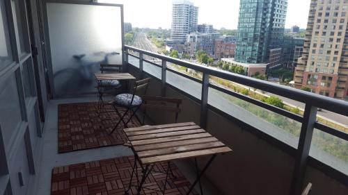 Lavish Suites - Brand New Two Bedroom - CN Tower view Photo
