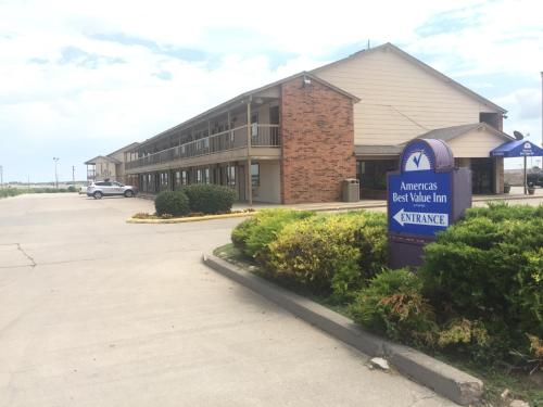 Americas Best Value Inn - Garden City Photo