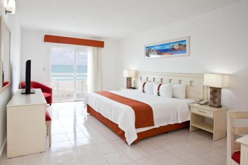Holiday Inn Cancun Arenas Photo