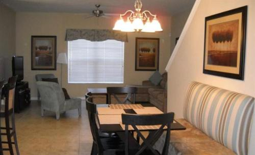 Candy Palm Road Townhome 8981 Photo