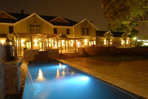 Protea Hotel by Marriott Bloemfontein Willow Lake Photo
