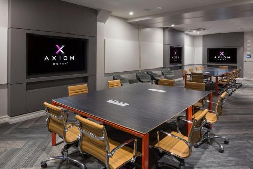 Axiom Hotel Photo