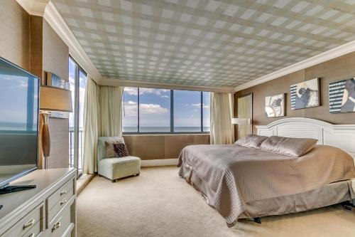 Penthouse 704, Carolina Dunes Photo