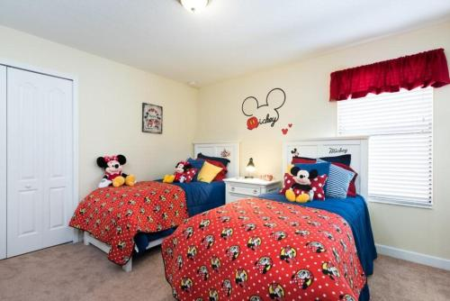 Champions Gate 8 Bedroom-026 Photo