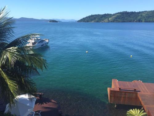Front Beach Angra Mansion Photo