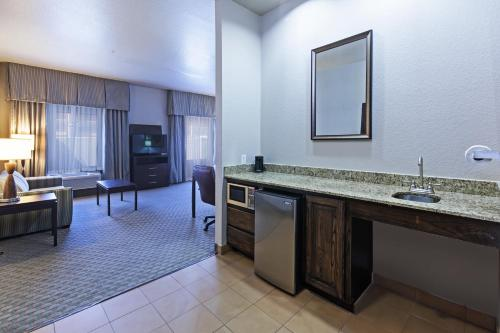 Hampton Inn and Suites Lake Jackson-Clute Photo
