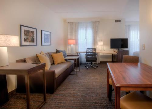 Residence Inn by Marriott Raleigh Crabtree Valley Photo