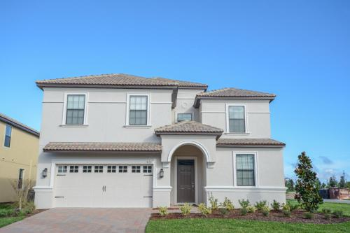 Six-Bedroom Home at Champions Gate Photo