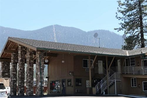 Blue Jay Lodge Photo