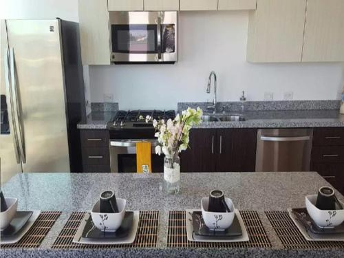 Modern L.A. Dream Home! 2BD&2BA Photo