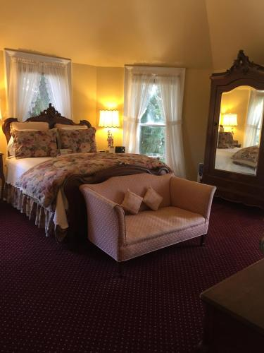 The Gables Wine Country Inn Photo