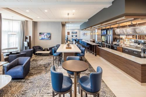 Courtyard by Marriott Boston Brookline Photo