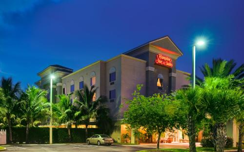 Hampton Inn & Suites Wellington Photo