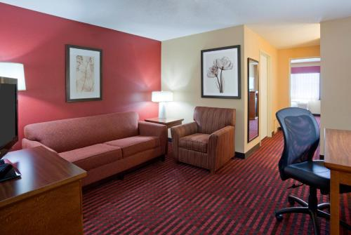 GrandStay Hotel & Suites - Stillwater Photo