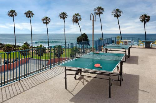 La Jolla Cove Suites Photo