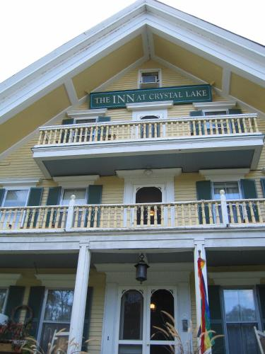 Inn at Crystal Lake and Palmer House Pub Photo
