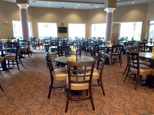 Hawthorn Suites by Wyndham Lake Buena Vista, a staySky Hotel & Resort photo 18