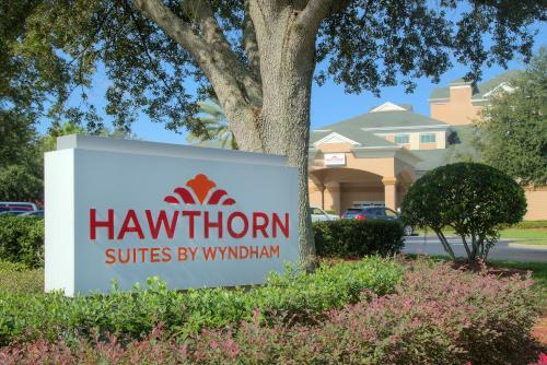 Hawthorn Suites by Wyndham Lake Buena Vista, a staySky Hotel & Resort photo 24