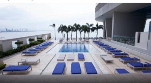 Bayloft Trump Ocean Club Building Photo