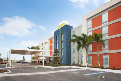Home2 Suites by Hilton Orlando International Drive South photo 18