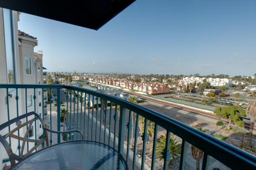 Wyndham Oceanside at the Pier Photo