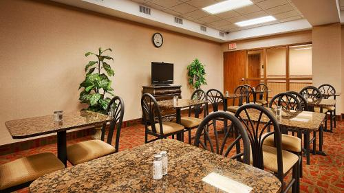 Best Western Plus Midwest City Inn & Suites Photo