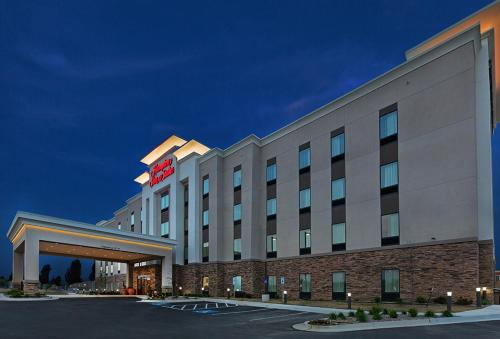 Hampton Inn & Suites Claremore Photo
