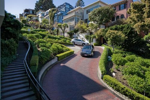 Lombard Crooked Street Apartment Photo
