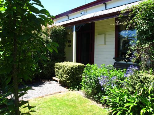 Villa in the Vines, Martinborough